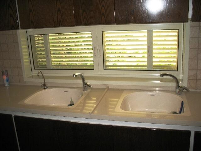 חלון כיס פרופיל 7000 עם תריס שלב מיני 1200