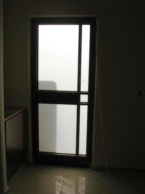 דלת בלגית 4300 עם חלוקה פנימית