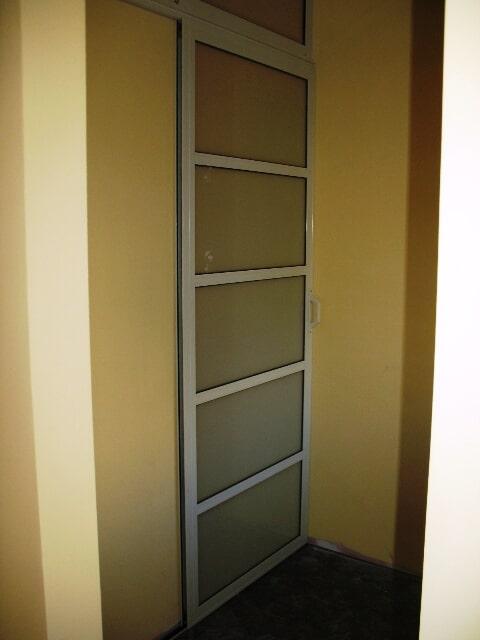 דלת הזזה פרופיל קליל 7000 – הפרדה בתוך משרד