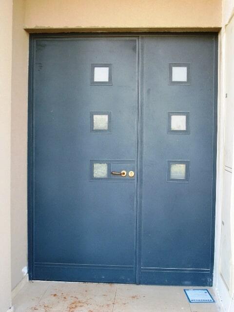 דלת כניסה לבניים משולב עם פח אלומיניום – ייצור בלעדי לתריסי גבאי
