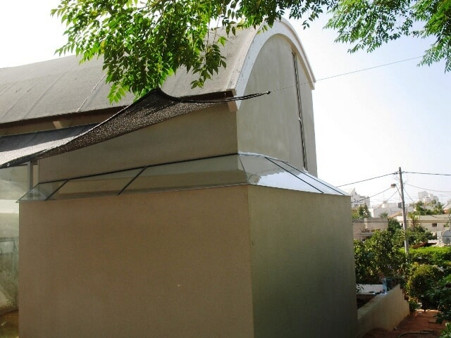 סגירת גג מזכוכיות בשילוב אלומיניום